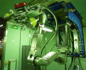 Outil de découpe laser sur bras robotisé Maestro (c) CEA